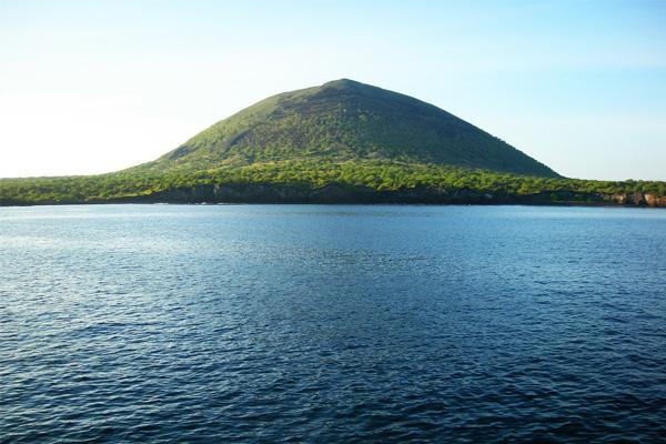 galapagos island group tour